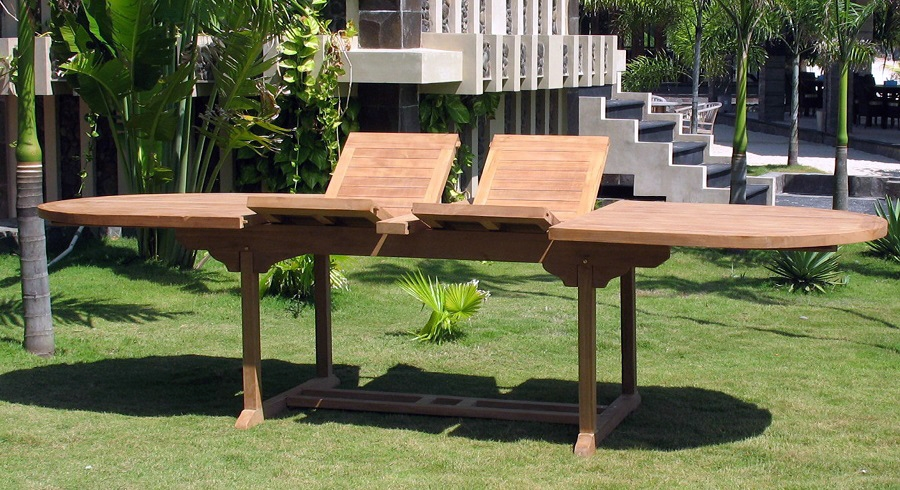 Большой стол для сада